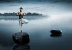 湖泊瑜伽人物