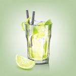 玻璃杯中的柠檬水