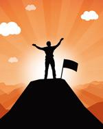 山顶举手的男性