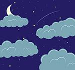 夜晚云朵中的月亮