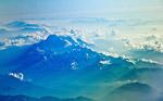 山峰山脉图片