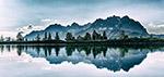 山川湖水相映