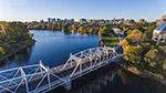 河两岸城市风景色