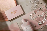 化妆品花卉卡片样机
