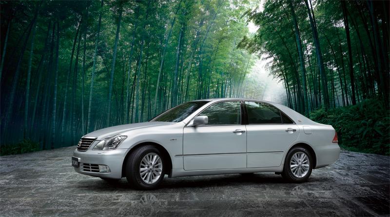 皇冠汽车高清图片