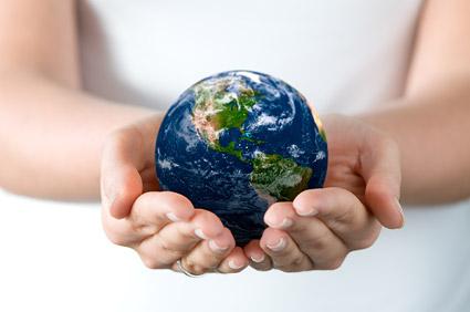 捧着地球的双手