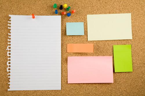 办公用品图片素材,尺寸:2800x1867,钉子,大头针,便签纸,彩色纸张