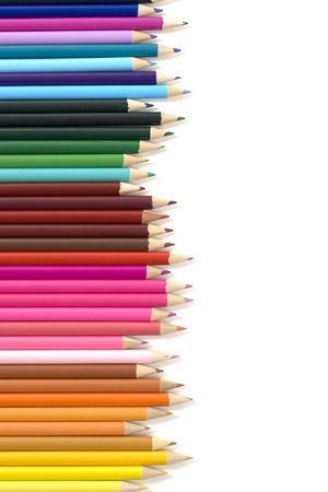 排列的彩色铅笔
