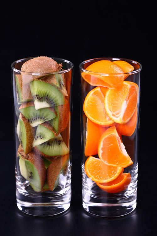 玻璃里的水果