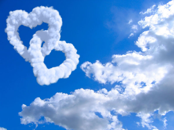 Romantic heart-shaped cloud 3