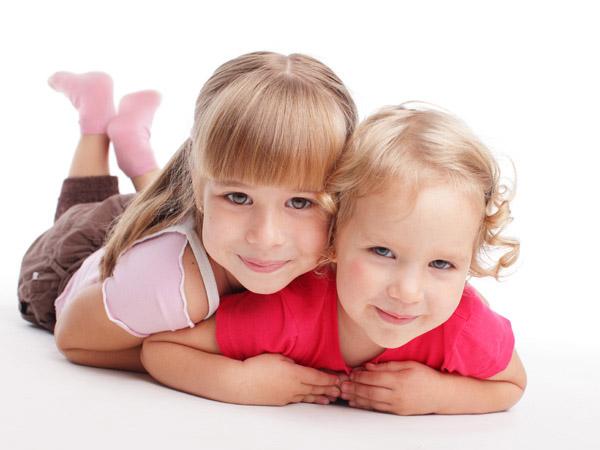 图片,素材,人物,小女孩,小女生,可爱,外国,国外,开心,笑容,儿童,微笑