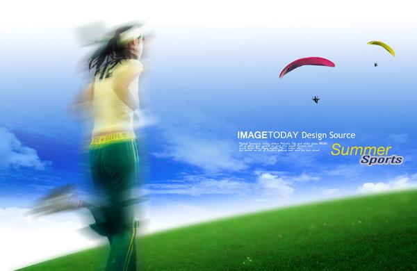 草地上跑步的女性,降落伞,蓝天,草地,体育锻炼,超越,夏天,跑步,白云