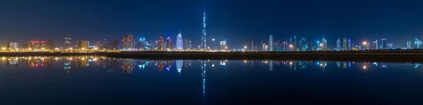 素材分类: 建筑景观所需点数: 0 点 关键词: 迪拜夜晚全景高清摄影图片