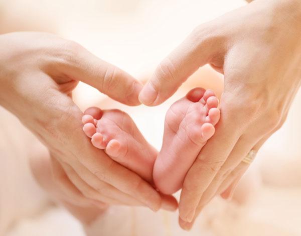 呵护宝宝的小脚