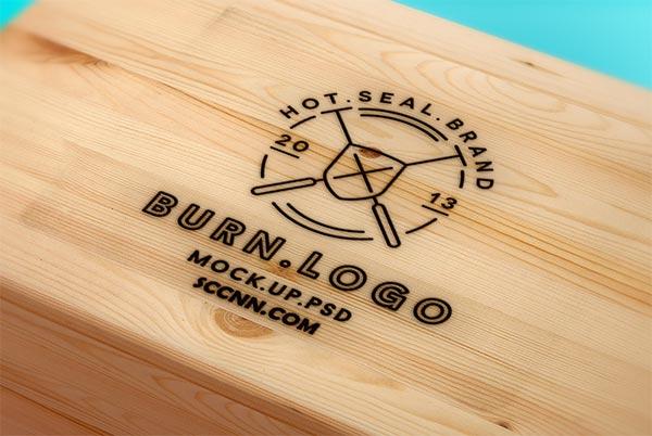 木质背景的logo