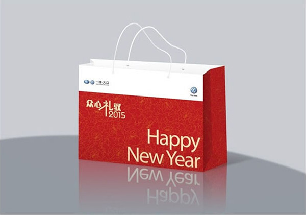 素材分类: 矢量包装设计所需点数: 0 点 关键词: 众心礼驭新年手提袋