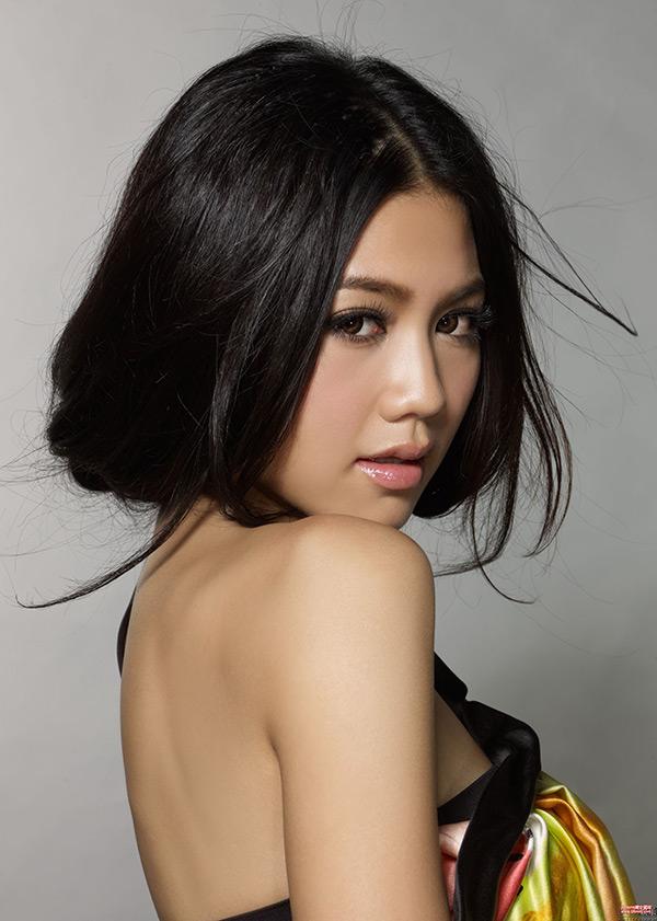 性感美女明星周秀娜高清图片下载