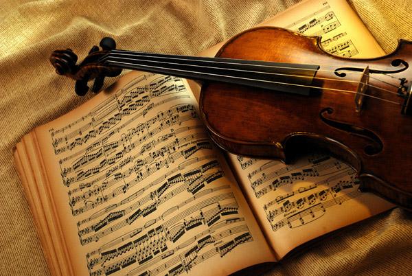 小提琴与乐谱