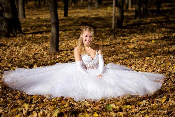 穿婚纱新娘
