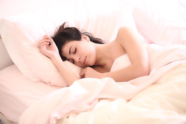 熟睡的女子