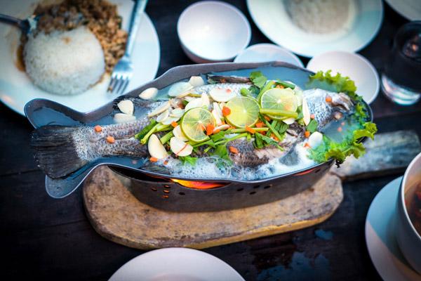 餐桌上的鱼