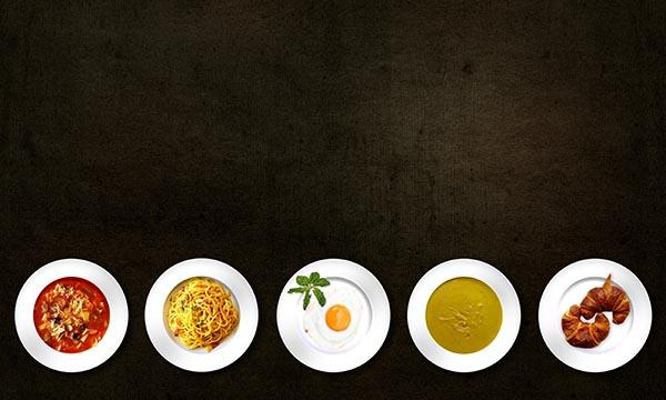 盘子里的美食
