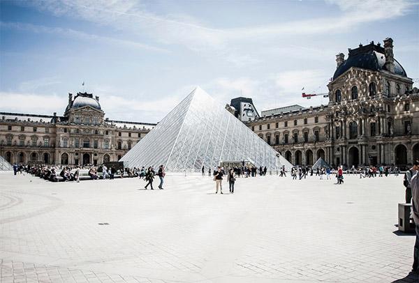 巴黎卢浮宫博物馆
