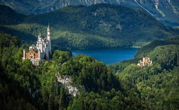 森林里的城堡