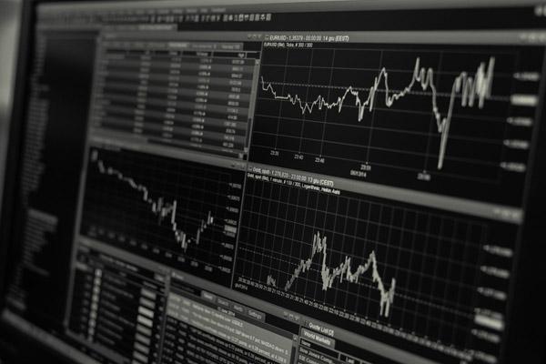 思摩尔国际午后再遭资金抛售 盘中跌超11%