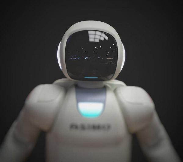 白色机器人