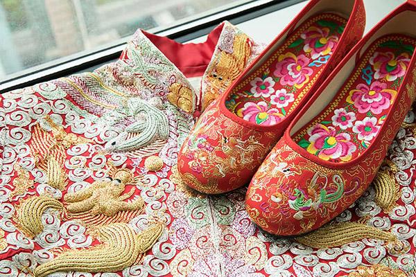 中式传统嫁衣图片