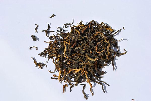 一堆茶叶图片