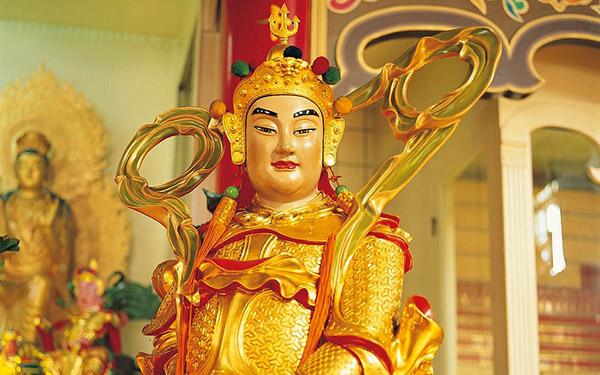 寺庙武神雕像