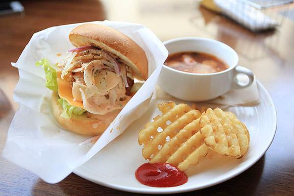 汉堡薯饼美食