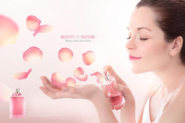 美女香水广告