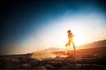 起跑的人物图片