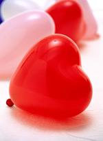 红色心形气球