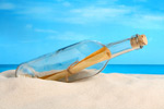 沙滩上的玻璃瓶2
