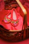 珠片红布鞋2