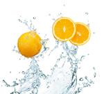 水滴喷溅橙子