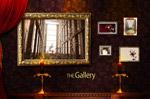 照片墙前的蜡烛