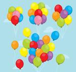 升入空中的气球束