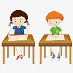 正在考试的小学生