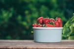 盆子里的草莓