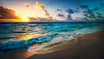 傍晚蓝色海滩