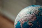 桌面地球仪图片