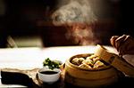 热气腾腾的蒸饺