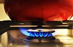 燃烧的燃气灶