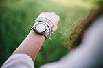 女孩手腕上的表