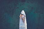 船上的一对情侣
